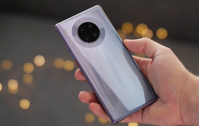 Смартфон с самой лучшей фотокамерой играют закадычных
